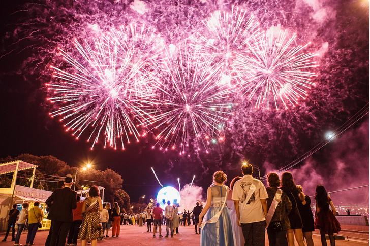 Фото №1 - Московский выпускной – 2019: полная программа праздника