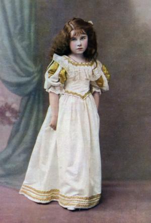 Фото №3 - На кого все больше становится похожа принцесса Шарлотта (это вовсе не Елизавета II)