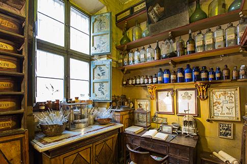 Фото №8 - Точка на карте: аптека Antica Erboristeria в Риме
