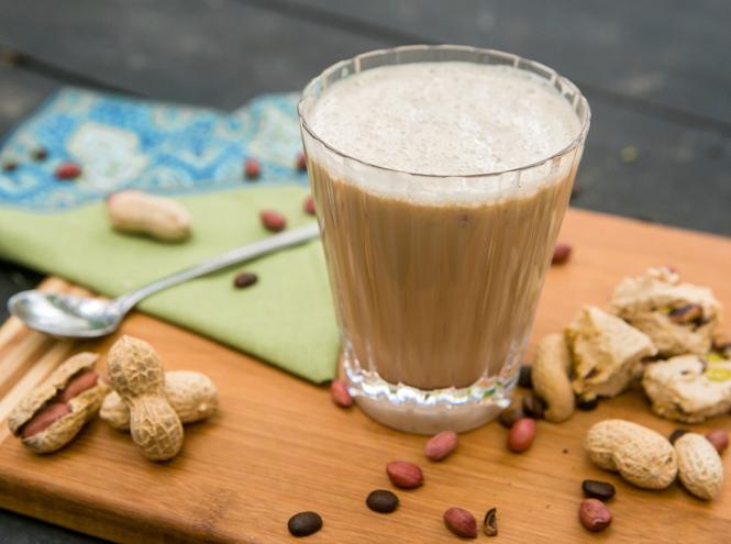 Фото №2 - Мятный, десертный, газированный: пять рецептов холодного кофе для жаркого лета