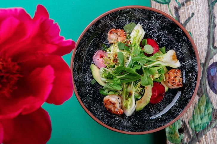 Фото №2 - Каникулы под солнцем: рецепты ярких блюд с персиками, которые подают в ресторанах прямо сейчас