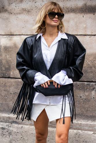 Фото №6 - С чем носить белую рубашку: стильные идеи на любой случай