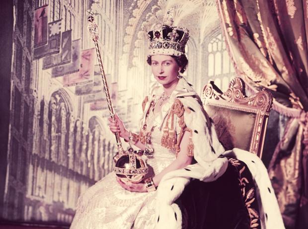 Фото №3 - Королева и помада: история одной бьюти-страсти Елизаветы II
