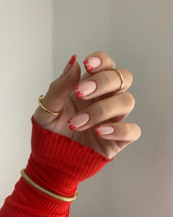 Фото №1 - Маникюр для Дня всех влюбленных (в Comme des Garçons)