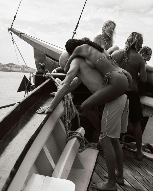 Фото №1 - Самая сексуальная поздравительная открытка— у Тины Кунаки и Венсана Касселя