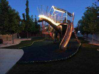 Фото №16 - Отец своими руками построил детям 14-метрового динозавра— детскую площадку (фото и видео)