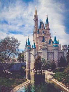 Фото №5 - Тест: Выбери замок, и мы скажем, какой принц в тебя влюбится