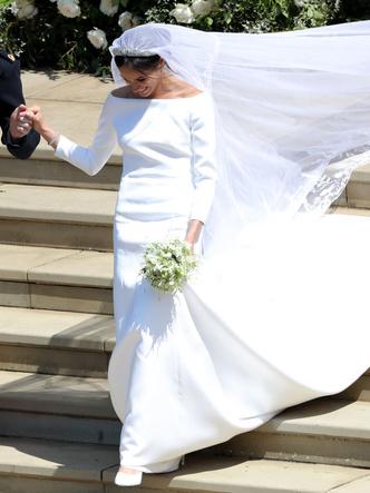 Фото №29 - Платья-близнецы: 15 слишком похожих свадебных нарядов королевских особ