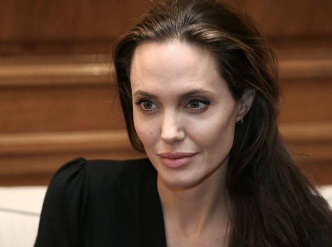 Фото №10 - Чем занимается Анджелина Джоли сегодня