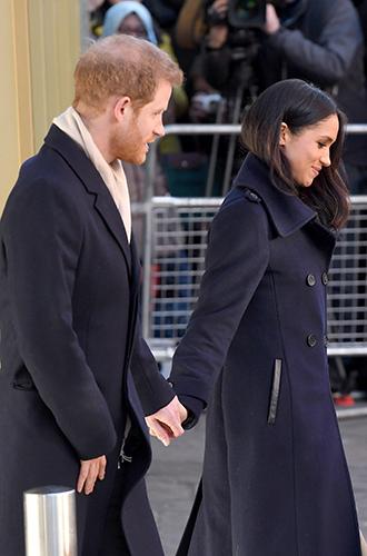 Фото №4 - Непристойная Меган: роялисты подписывают петицию против невесты принца Гарри