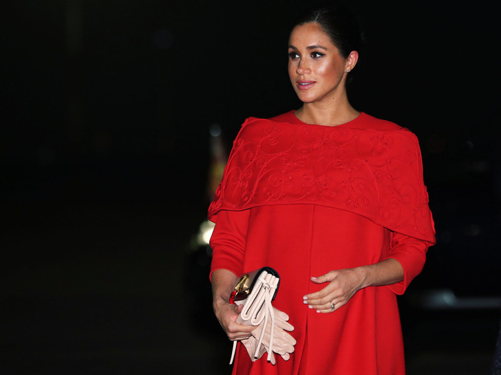 Фото №1 - 4 важных правила королевской беременности, которые нарушила Меган