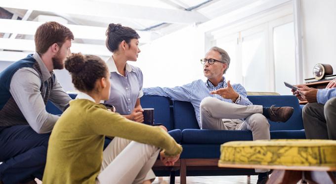 Поколение Z и X: как научить работать вместе