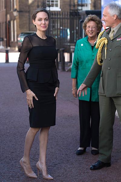 Фото №2 - 10 доказательств, что семья Джоли и Питта далека от идеала