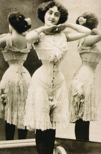 Фото №10 - Осиная талия: 6 интересных фактов из истории корсетов