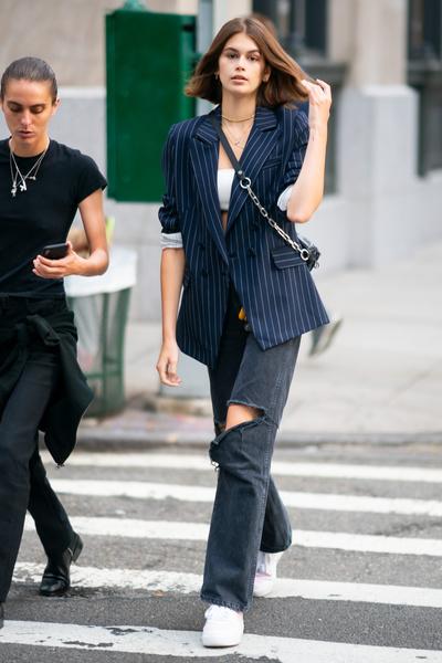 Фото №2 - Wear Black: что делать, чтобы черные джинсы не выцветали