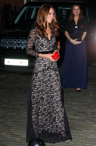 Фото №20 - Королевский дресс-код: любимые сумки герцогини Кембриджской