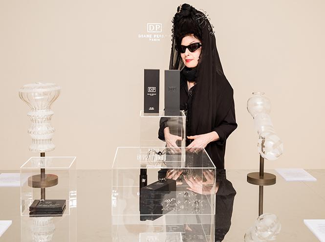 Фото №1 - Дива моды Диана Перне создает ароматы имени себя