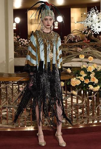 Фото №12 - Только топ-модели: Эшли Грэм, Наоми Кэмпбелл и другие на показе Dolce & Gabbana Alta Moda