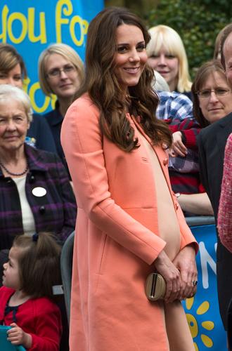 Фото №18 - Беременна будущим королем: принцессы и королевы в положении (фото)