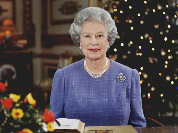 Фото №1 - В домашней обстановке: в Сеть попали неизвестные рождественские открытки Виндзоров