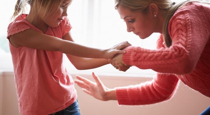 Чему учат ребенка шлепки?