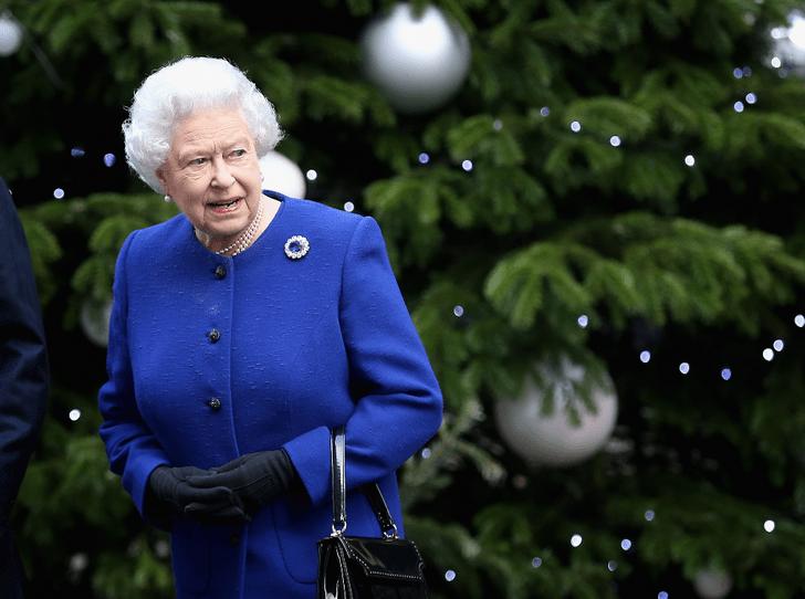 Фото №2 - Королевская щедрость: сколько Елизавета II тратит на подарки к Рождеству