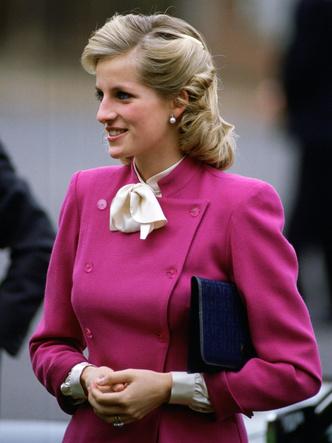 Фото №33 - От персикового до фуксии: как принцесса Диана носила розовый цвет (и почему он ей так шел)