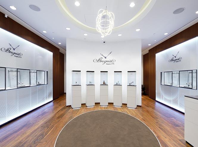 Фото №2 - Breguet открыл бутик в галереях «Времена Года»