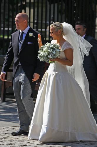 Фото №7 - Концепция дизайна свадебного платья Меган Маркл меняется в угоду Королеве