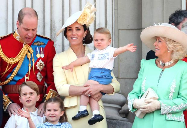 Фото №7 - Принц Луи дебютировал на королевском мероприятии (в одежде принца Гарри)