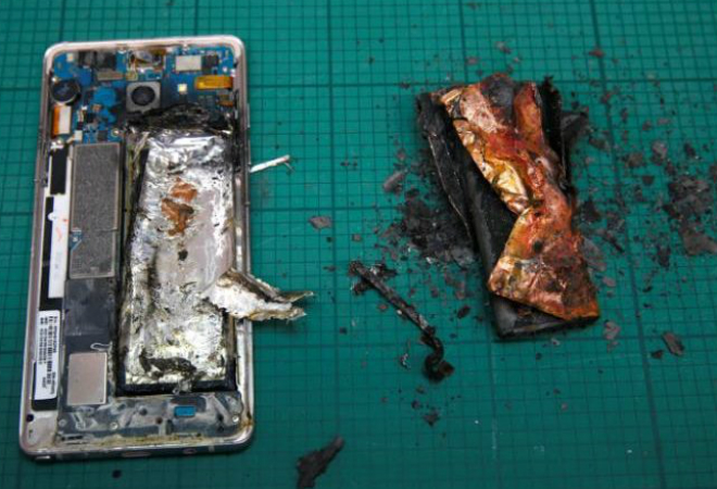 Фото №3 - Огнеопасно: Samsung Galaxy Note 7 взрываются во время полета