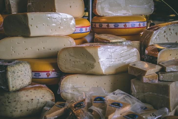 Какой сыр признали некачественным