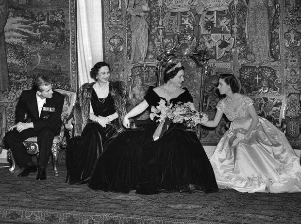 Фото №5 - Нелюбимый зять: неизвестная вражда королевы-матери и принца Филиппа