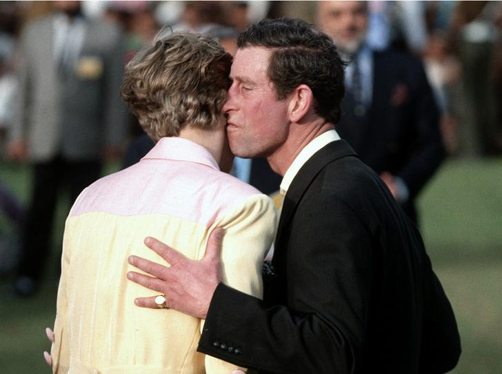 Фото №2 - Как принцесса Диана испортила принцу Чарльзу День святого Валентина