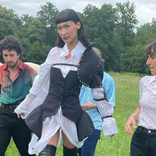 Фото №2 - Как носить короткую челку: самая стильная оригинальная стрижка Беллы Хадид