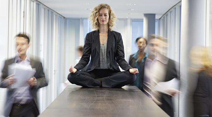 Снять стресс за минуту: 6 коротких упражнений для медитации