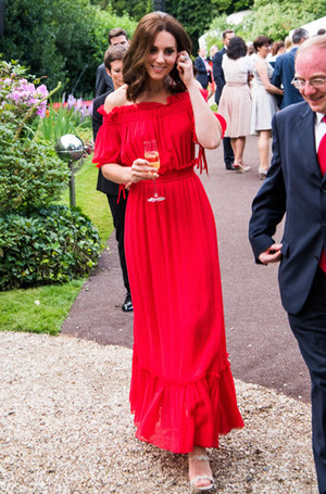 Фото №6 - Десять лет во дворце: как Кейт Миддлтон навсегда изменила королевский стиль