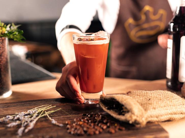Фото №5 - 5 нескучных кофейных напитков для длинной рабочей недели