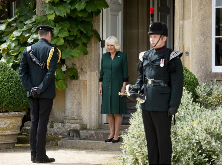 Фото №2 - Любимая невестка: принц Филипп и его особое отношение к герцогине Камилле