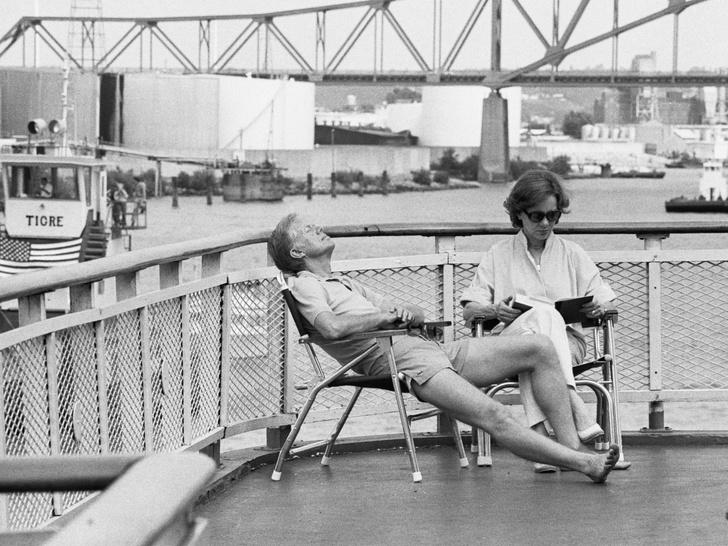 Фото №2 - Как отдыхают президенты и Первые леди: самые неформальные отпускные фото глав США с их супругами