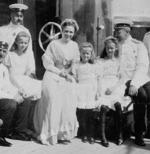 Фото №4 - «Бешенство матки», опыты Фрейда, жизнь в изгнании: история свекрови Елизаветы II, которую считали сумасшедшей