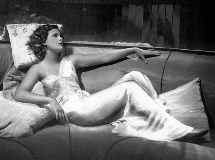 Фото №4 - Лучшие звездные образы за всю историю Венецианского кинофестиваля