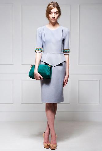 Фото №24 - Было/стало: как дизайнеры перешивают свои наряды ради Кейт Миддлтон