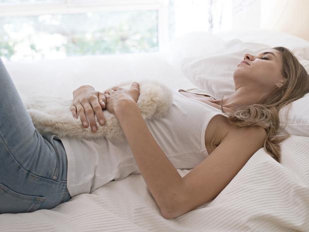 Фото №2 - Советы остеопата: как облегчить симптомы ПМС