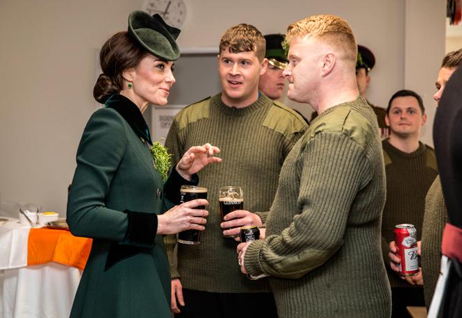 Фото №4 - Почему выходка принца Уильяма на руку Кейт Миддлтон