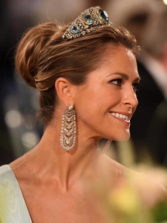 Фото №7 - Из России с любовью: почему европейские монархи начали носить тиары-кокошники