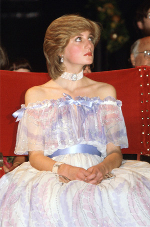 Фото №16 - Стиль беременной принцессы Дианы