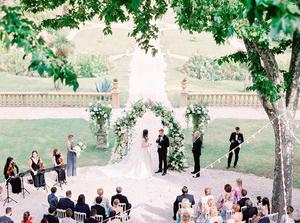 Фото №6 - Свадебный сезон 2017: модные палитры и детали, которые сделают свадьбу по-настоящему стильной