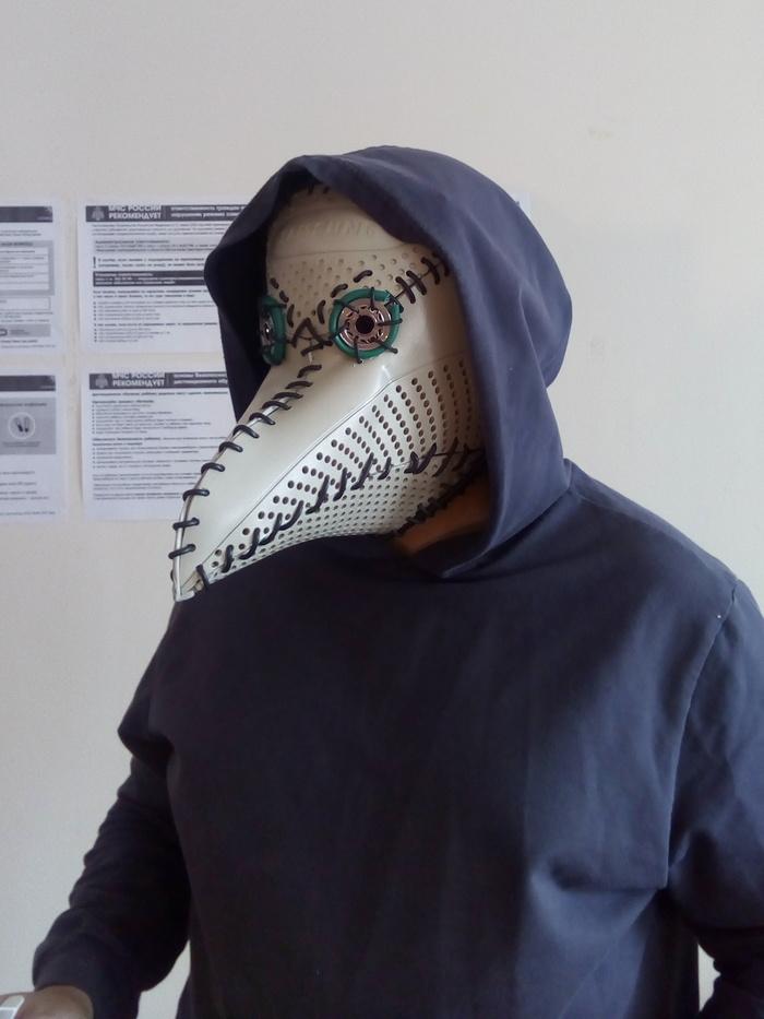 Фото №11 - Русский айтишник показал, как сделать маску чумного доктора из корпуса старого компьютера (фотоинструкция)