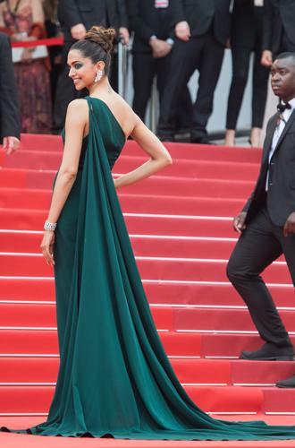 Фото №17 - Модные Канны-2017: Винни Харлоу, Адриана Лима и другие красавицы вечера премьер 18 мая